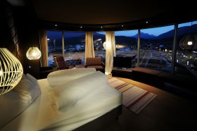 Sleep and Dine Deluxe - 2 Personen